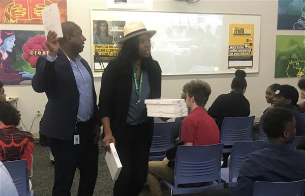 Sprint connects students
