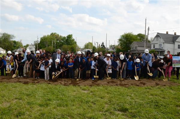 Students get involved in groundbreaking